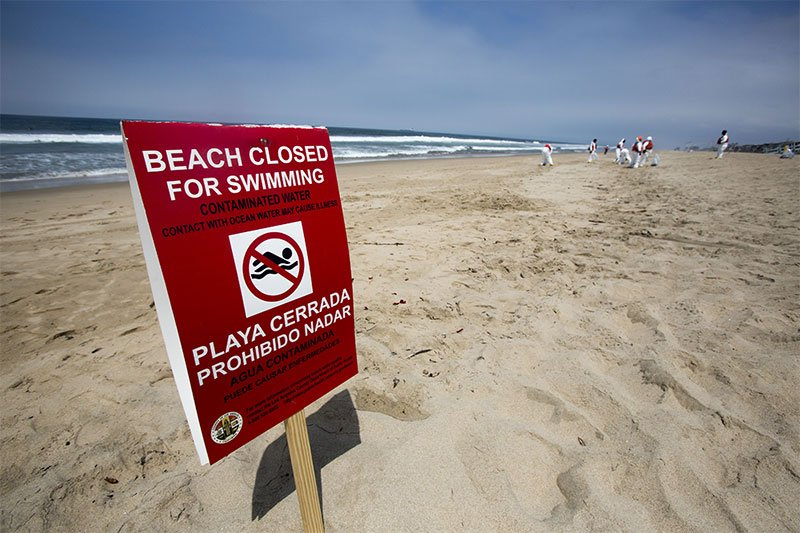 beach closed for contamination